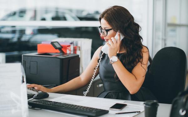 Nỗi khổ nghề thư ký: Bị mang tiếng 'sếp thứ hai', mọi người nghi ngờ mối quan hệ với sếp và rắc rối trong cư xử với gia đình