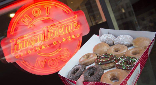 """Gần 90 năm bán mỗi bánh Donut - Krispy Kreme là minh chứng thép cho câu """"Gừng càng già càng cay"""""""