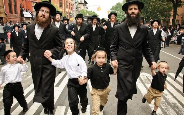 Máu liều kinh doanh làm nên câu chuyện thành công cho người Do Thái : Hãy kiên trì đúng lúc, chơi lớn đúng chỗ ! - Ảnh 1.